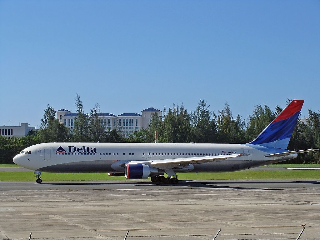 Delta Air Lines Fleet Boeing 767-300 Details and Pictures
