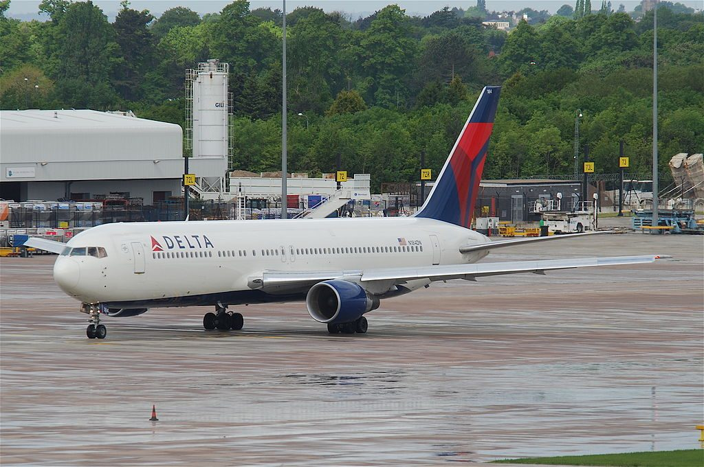 Delta Air Lines Long Range Widebody Aircraft Boeing 767-332ER; N184DN @MAN Manchester Airport