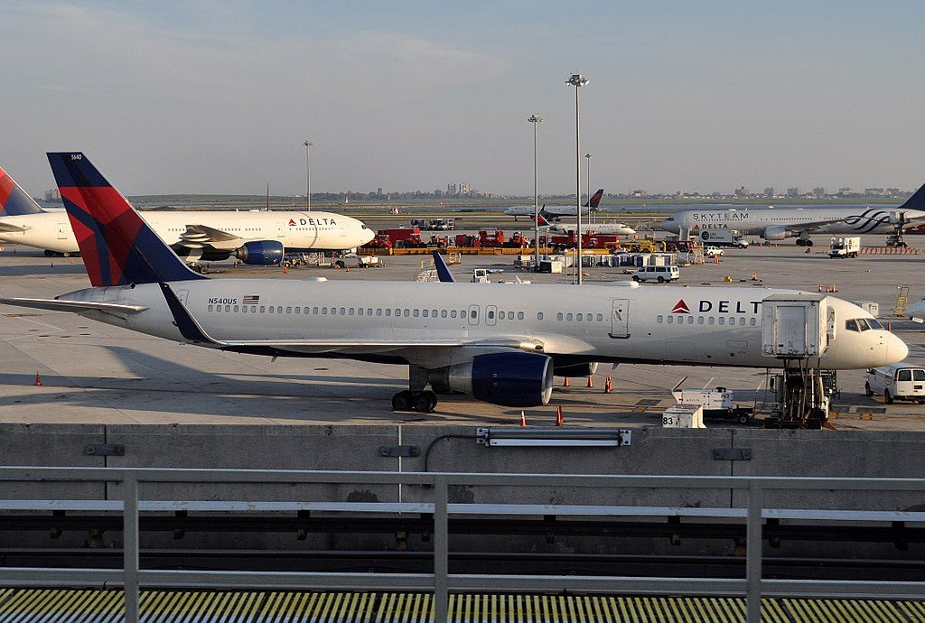 Delta Air Lines MSN 26487 LN 701 B757-251 N540US Boeing 757-200 at JFK John F. Kennedy International Airport