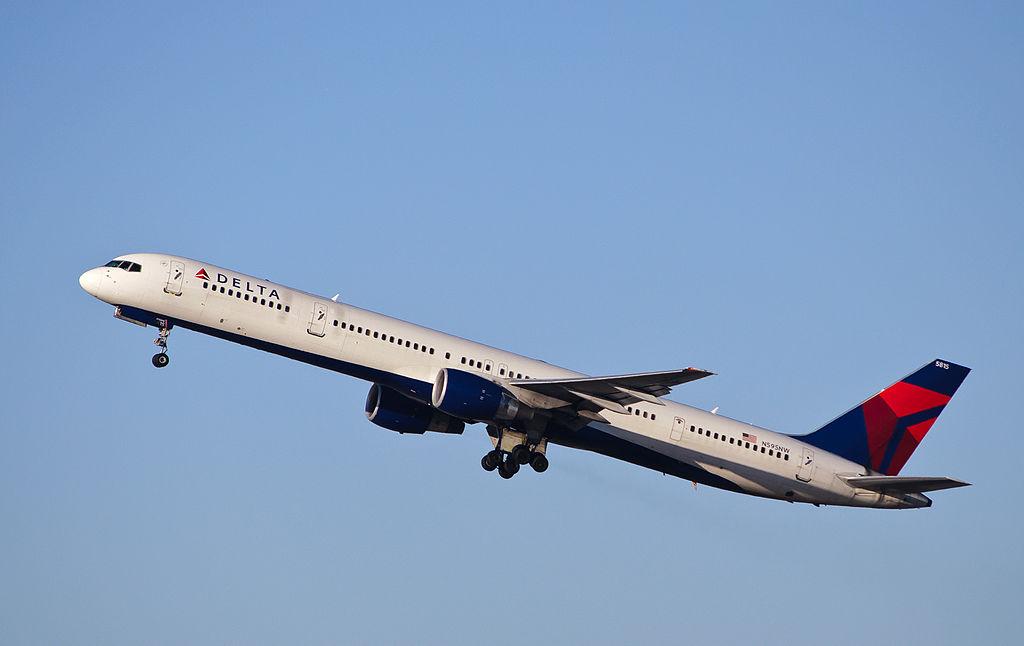 Delta Air Lines - N595NW - Boeing 757-300 (ex-Northwest) with Pratt & Whitney 2000-series engines Departing to Honolulu