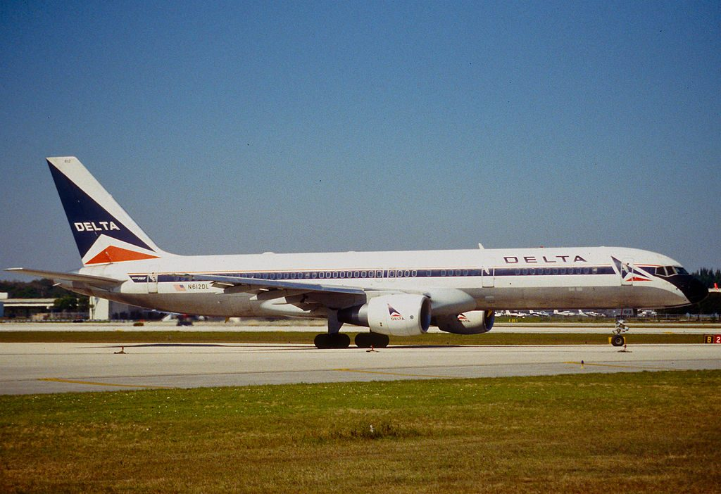 Delta Air Lines Old Livery Boeing 757-232; N612DL @FLL Fort Lauderdale–Hollywood International Airport