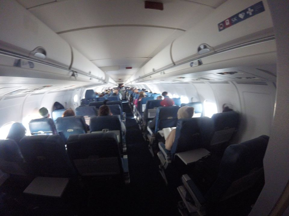 Delta Air Lines Regional Jet Fleet McDonnell Douglas MD-88 economy class cabin inflight views photos