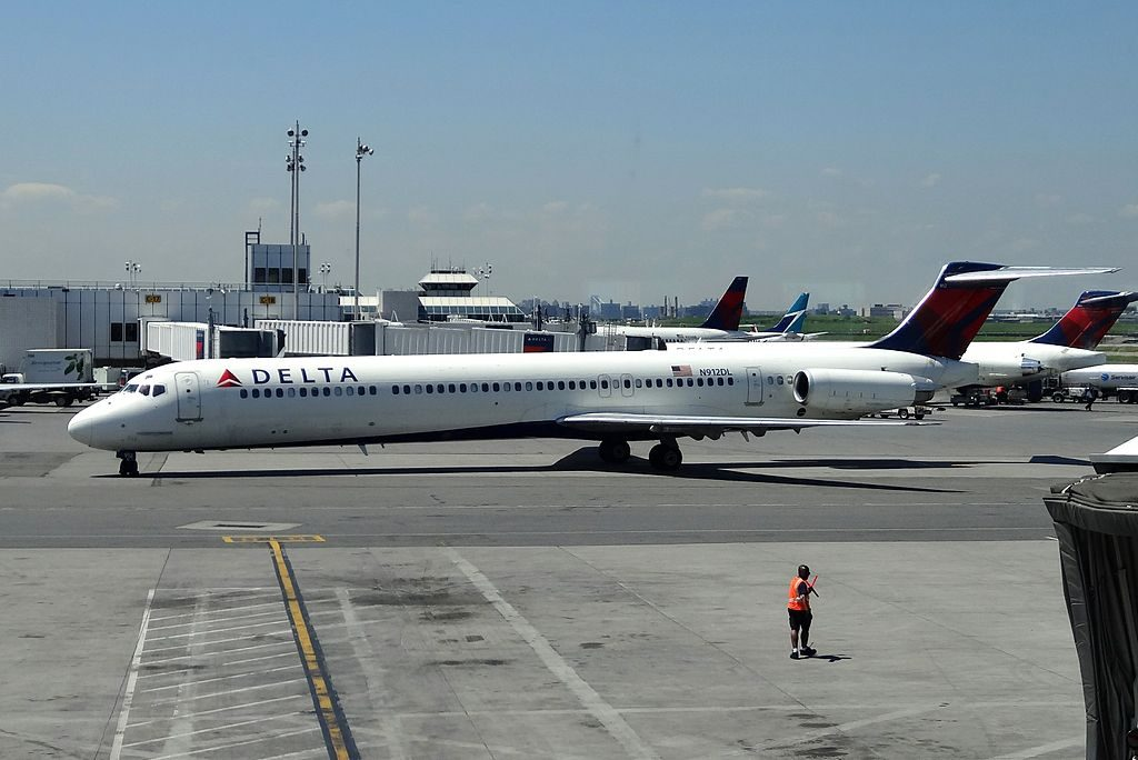 Delta Air Lines Regional Jet Fleet N912DL McDonnell Douglas MD-88 at LaGuardia Airport (LGA) departure to Miami International Airport (MIA)