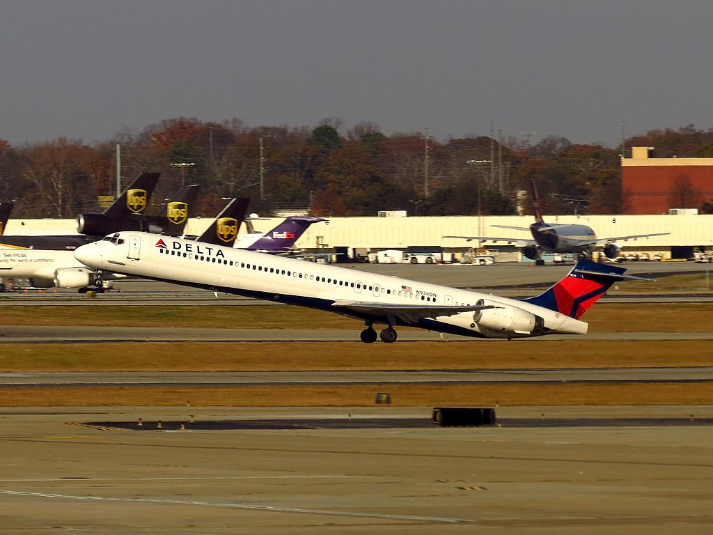 Delta Air Lines Regional Jet N934DN McDonnell Douglas MD-90-30 Hartsfield-Jackson Atlanta International Airport