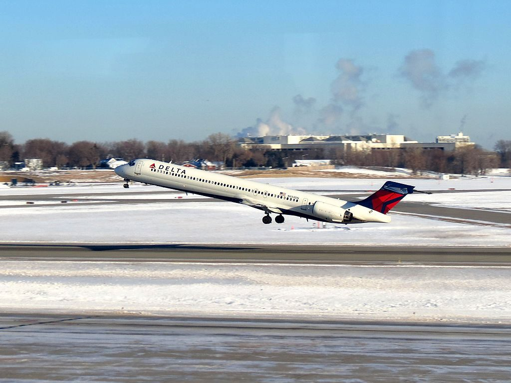 Delta Air Lines Regional Jet N934DN McDonnell Douglas MD-90-30 Minneapolis-Saint Paul International Airport