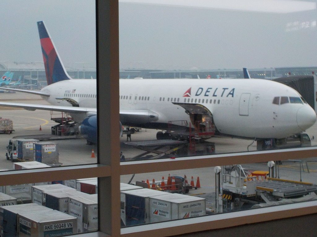 Delta Air Lines Widebody Aicraft Boeing 767-332ER N173DZ at Incheon International Airport Korea