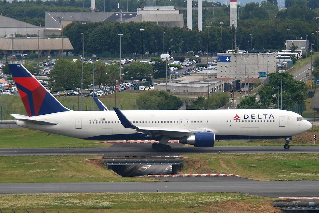 Delta Air Lines Widebody Aircraft Boeing 767-332ER; N192DN @CDG Paris Charles de Gaulle Airport