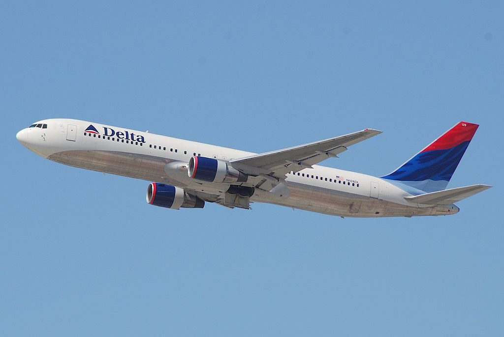 Delta Air Lines Widebody Aircraft Fleet Boeing 767-332; N126DL @LAX Airport Photos