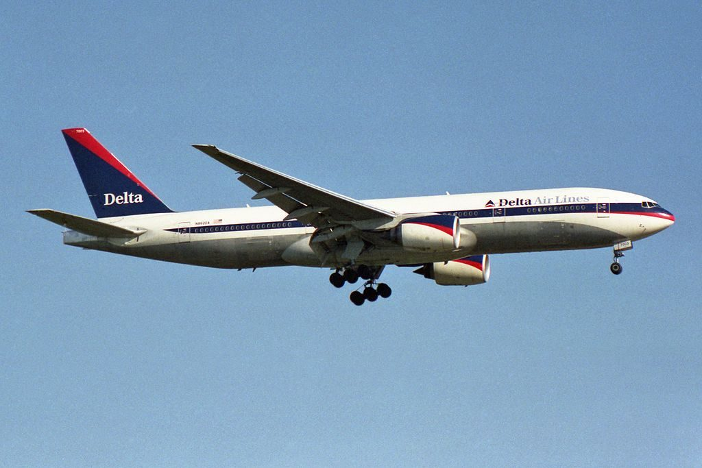 Delta Air Lines Widebody Aircraft Fleet N862DA Boeing 777-232(ER) on final approach at Frankfurt am Main (Rhein-Main AB) (FRA : EDDF : FRF) Germany 5.2003