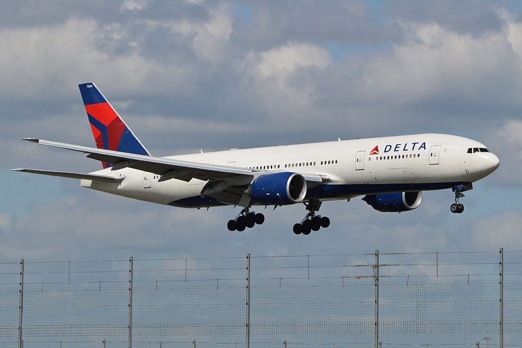 Delta Air Lines Widebody Aircraft Fleet N863DA Boeing 777-232(ER) c:n 29735, l:n 245. Seen landing at London Heathrow Airport. 19-4-2014