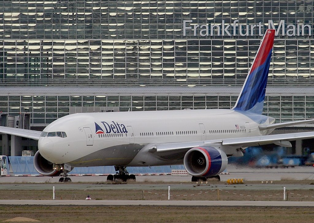 Delta Air Lines Widebody Aircraft Fleet N865DA Boeing 777-232(ER) at Frankfurt am Main (Rhein-Main AB) (FRA : FRF : EDDF), Germany