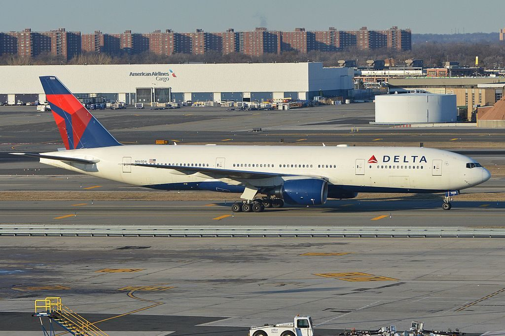 Delta Air Lines Widebody Aircraft Fleet N865DA Boeing 777-232(ER) c:n 29737, l:n 257. Built 1999. Seen taxiing in after arriving on flight DAL172 from Tokyo Narita. JFK Airport, New York. 6th March 2016