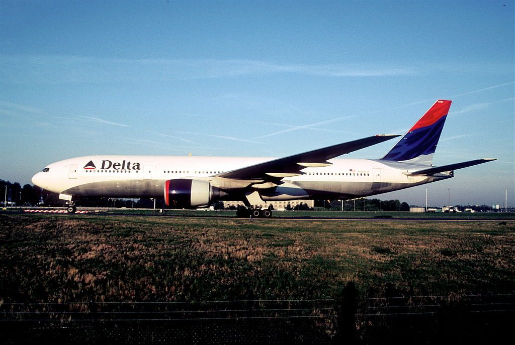 Delta Air Lines Widebody Aircraft Fleet N866DA Boeing 777-232(ER) cn:serial number- 29738:261 @CDG Paris Charles de Gaulle Airport 06.09.2004