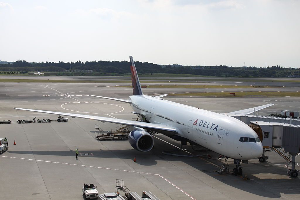 Delta Air Lines Widebody Aircraft Fleet N866DA Boeing 777-232(ER) cn:serial number- 29738:261 at Narita International Airport(NRT:RJAA)