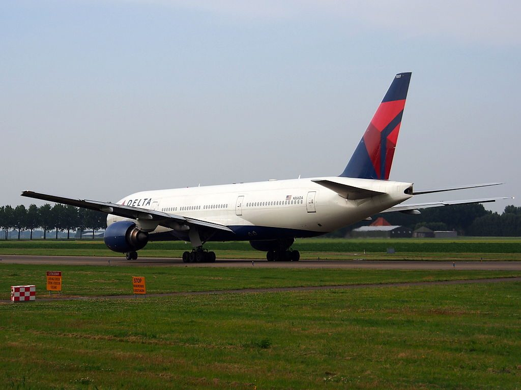 Delta Air Lines Widebody Aircraft Fleet N866DA Boeing 777-232(ER) cn:serial number- 29738:261 at Schiphol, Amsterdam airport, (IATA- AMS, ICAO- EHAM), the Netherlands