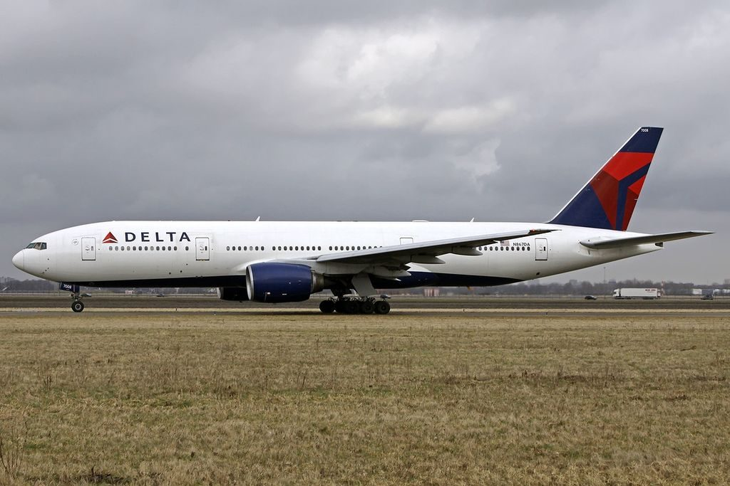 Delta Air Lines Widebody Aircraft Fleet N867DA Boeing 777-232(ER) at Amsterdam - Schiphol (AMS : EHAM), Netherlands
