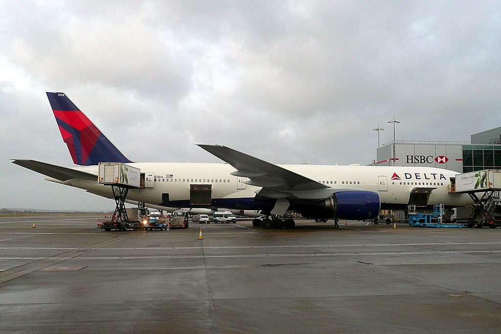 Delta Air Lines Widebody Aircraft Fleet N867DA Boeing 777-232(ER) at Heathrow Airport (IATA- LHR, ICAO- EGLL)