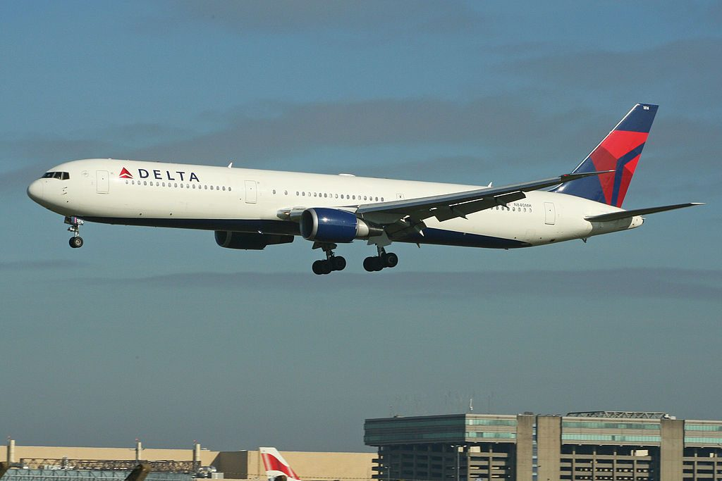 Delta Air lines Aircraft Fleet Boeing 767-432ER N840MH Arriving on flight DL001 from JFK. London Heathrow