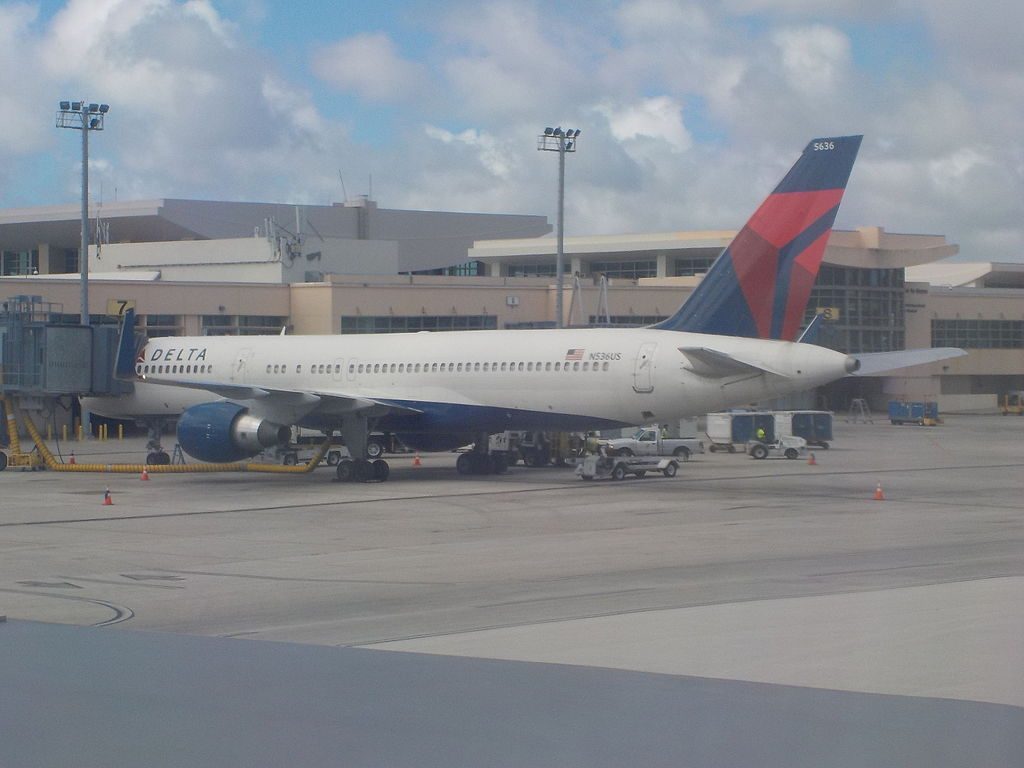 Delta Airlines Boeing 757-251 N536US at Guam Antonio B. Won Pat International Airport