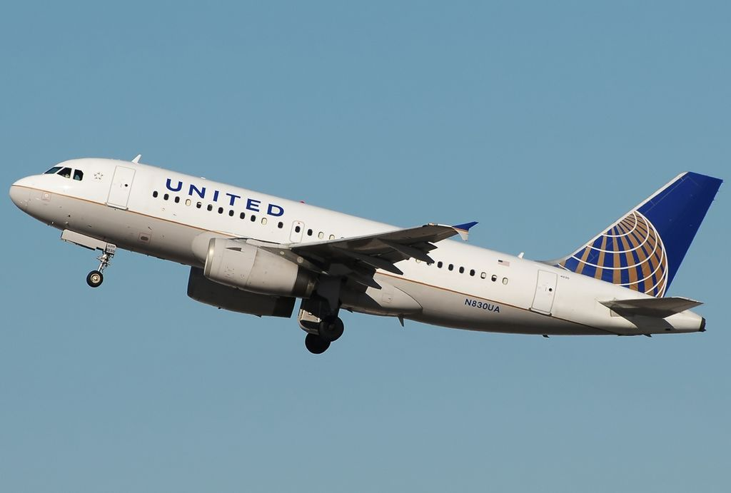 Las Vegas McCarran Int'l Airport - KLAS, USA - Nevada Aircraft type Airbus A319-131 Operator United Airlines Registration N830UA
