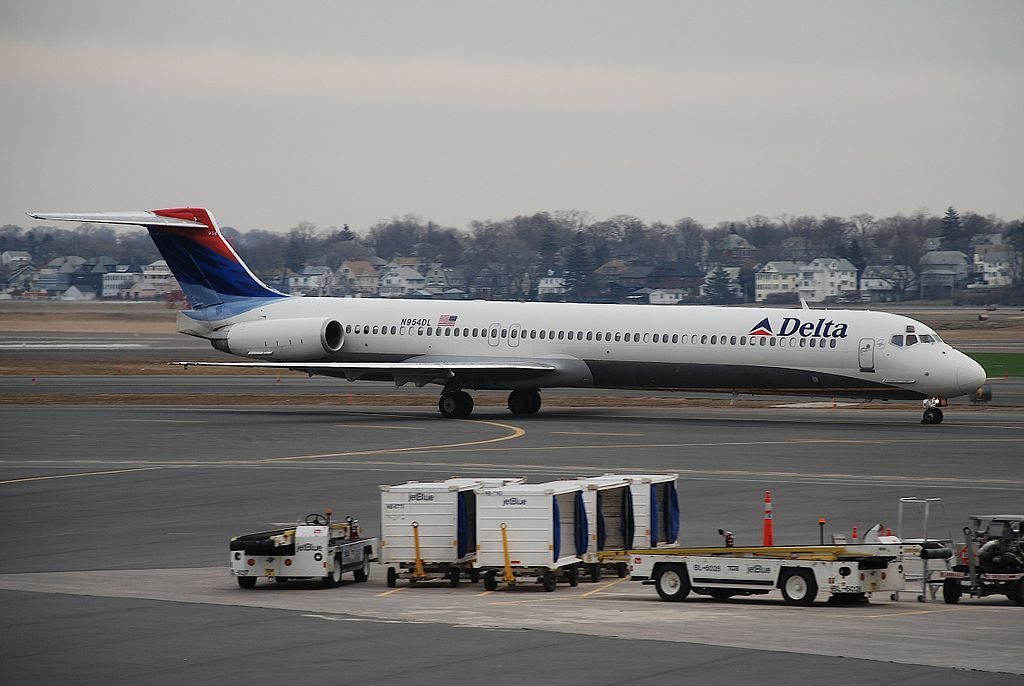 McDonnell Douglas MD-88 of Delta Air Lines Fleet N954DL at Boston Logan International Airport