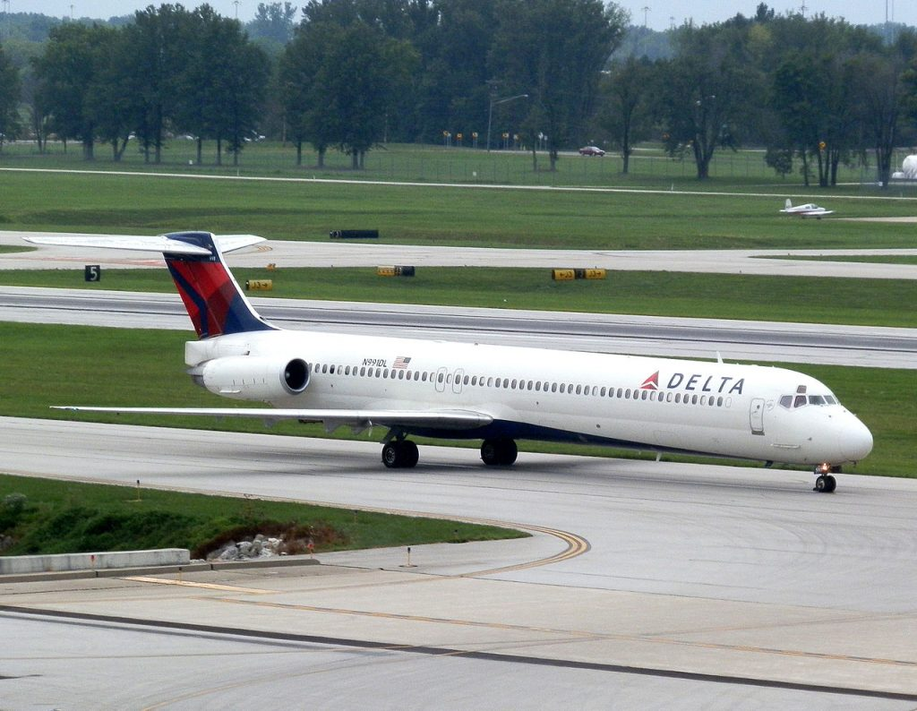 McDonnell Douglas MD-88 of Delta Air Lines N991DL at Port Columbus International Airport
