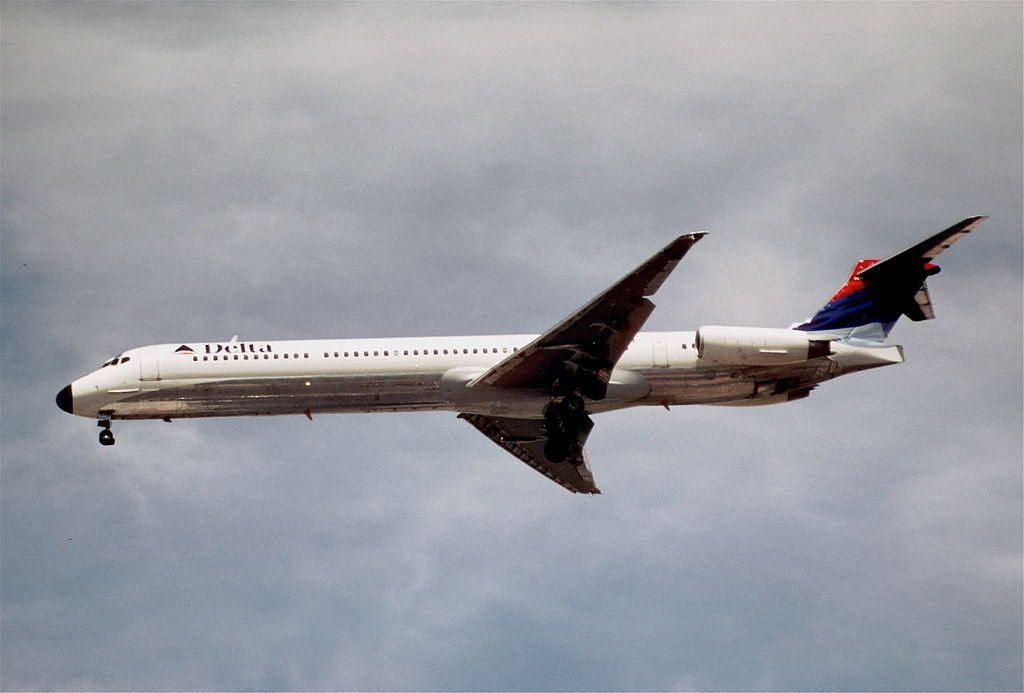 McDonnell Douglas MD-88 of Delta Air Lines Regional Fleet N919DE on final at McCarran International Airport
