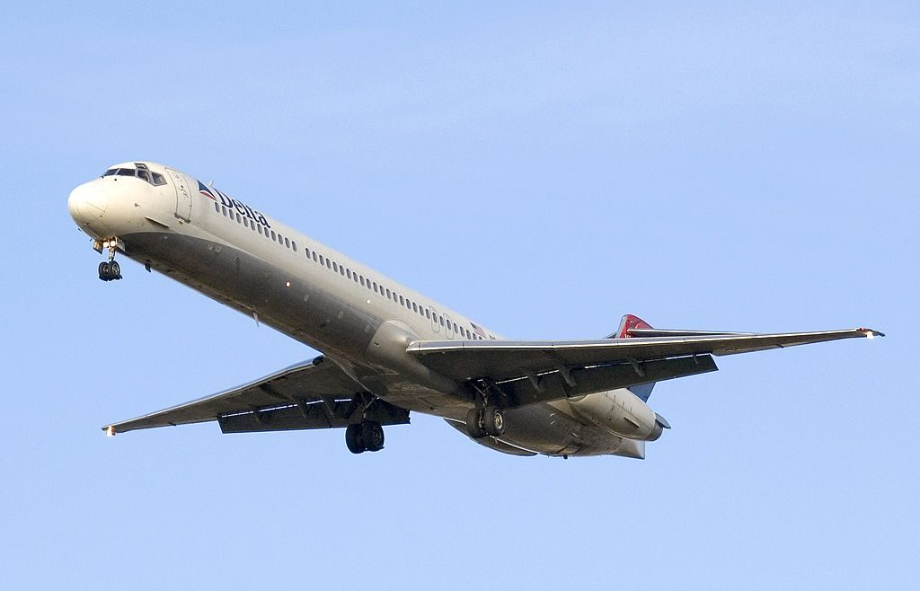 McDonnell Douglas MD-88 of Delta Air Lines Regional Jet Fleet short final at Toronto Pearson International Airport