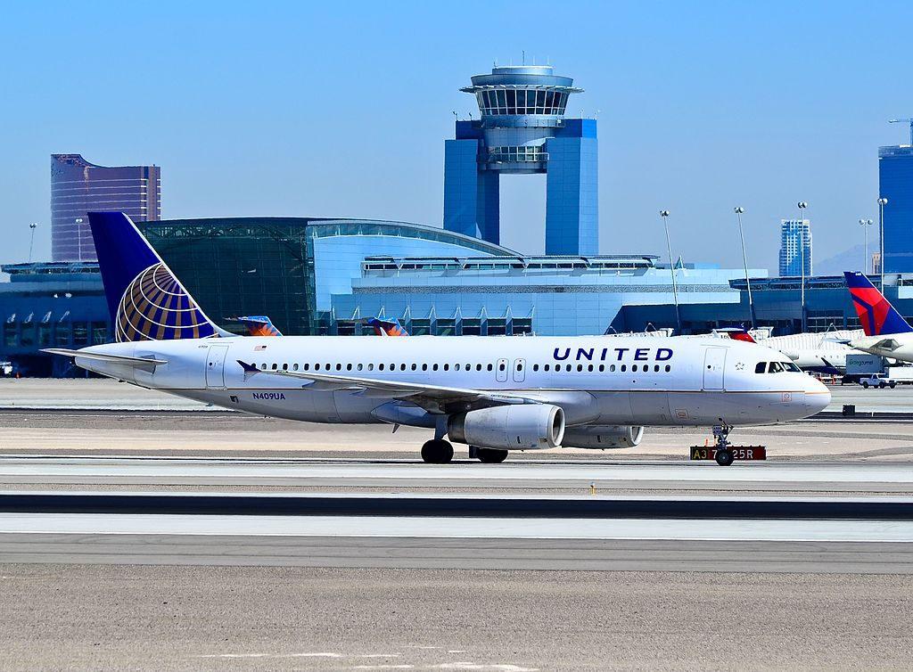 N409UA United Airlines Aircraft Fleet Airbus A320-232 taxiing at Las Vegas - McCarran International (LAS : KLAS) USA - Nevada