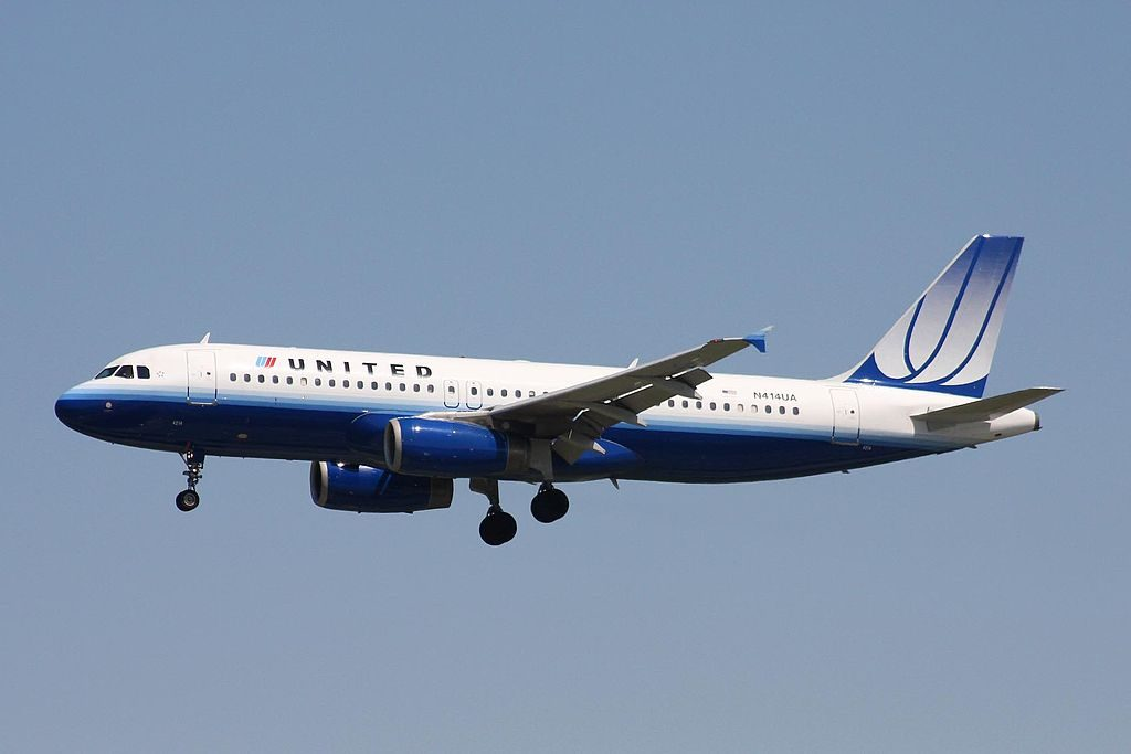 N414UA Airbus A320-232 United Airlines Fleet (new livery colors) at YVR Vancouver International Airport