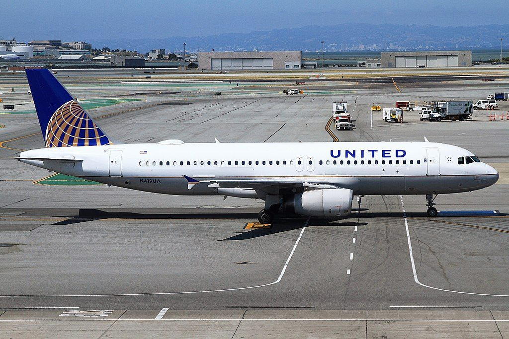 N419UA Airbus A320-200 United Airlines Fleet departure SFO San Francisco International Airport