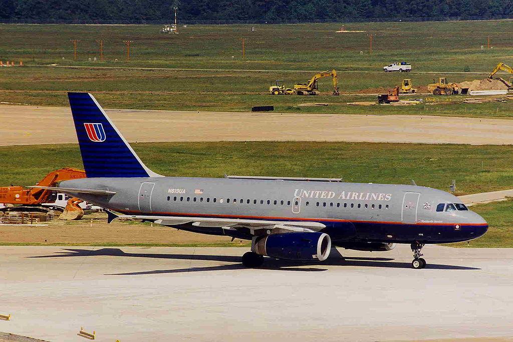 N819UA Airbus A319-131 United Airlines Fleet at IAH George Bush Intercontinental Airport