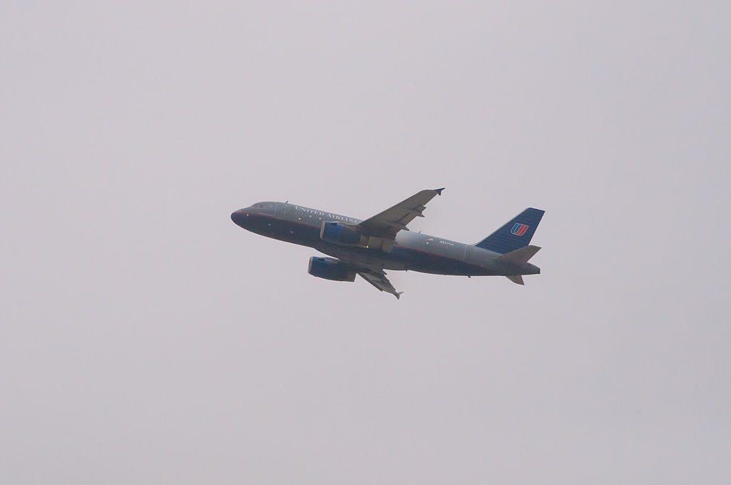 N827UA Airbus A319-100 Narrow Body Aircraft United Airlines Fleet Photos