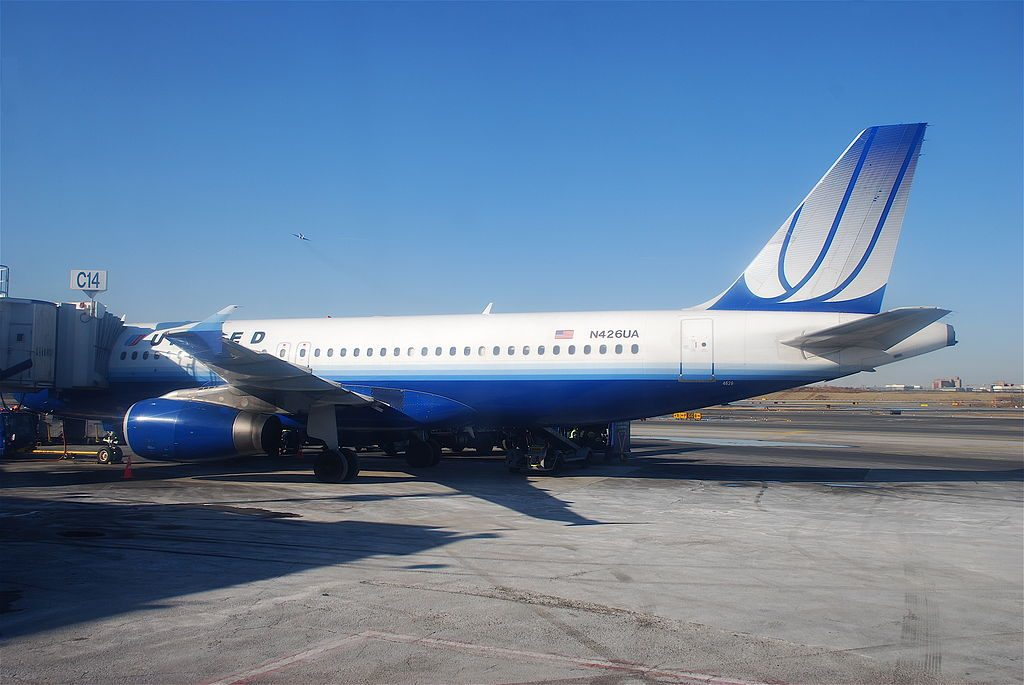 Narrow Body Aircraft Airbus A320-200 N426UA of United Airlines Fleet at LaGuardia Airport
