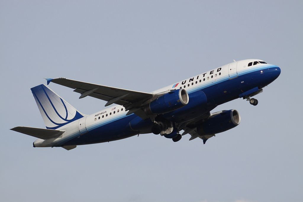 United Airlines Aircraft Fleet Airbus A319 N814UA at Toronto Pearson International Airport