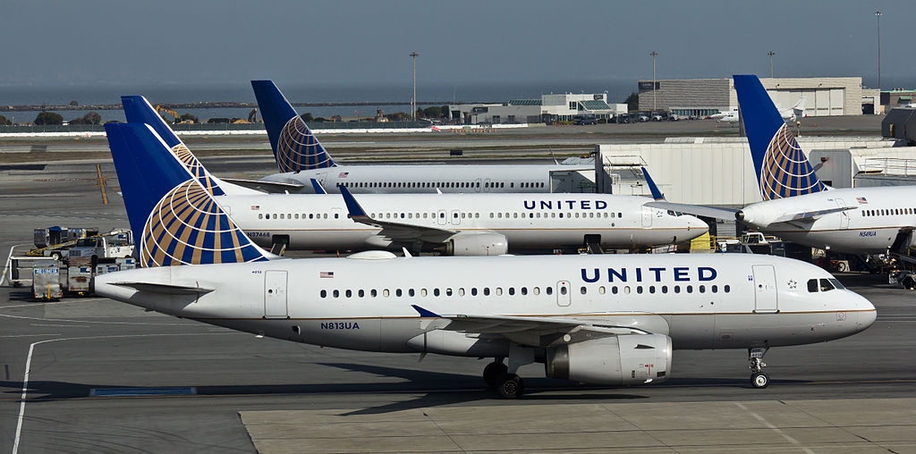 United Airlines Aircraft Fleet - N813UA - Airbus A319 - San Francisco International Airport