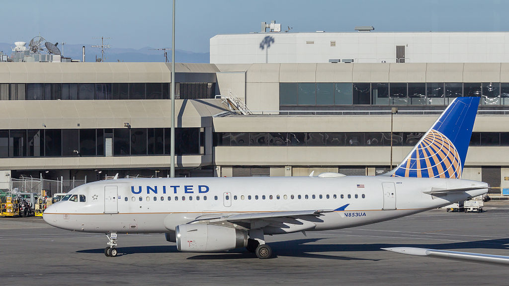 United Airlines Aircraft Fleet N853UA Airbus A319-131 cn:serial number- 1688 at San Francisco International Airport