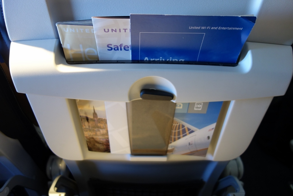 United Airlines Fleet Airbus A319-100 Economy Class Magazine holder photos