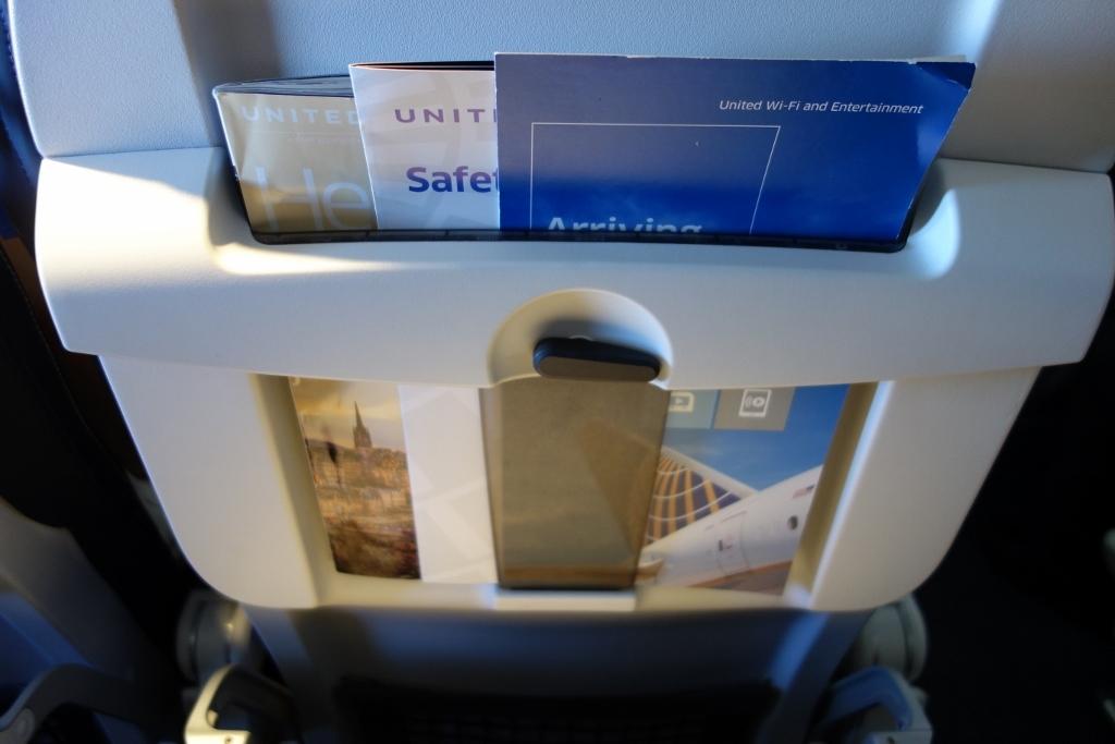 United Airlines Fleet Airbus A319-100 Economy Class Magazine holder photos