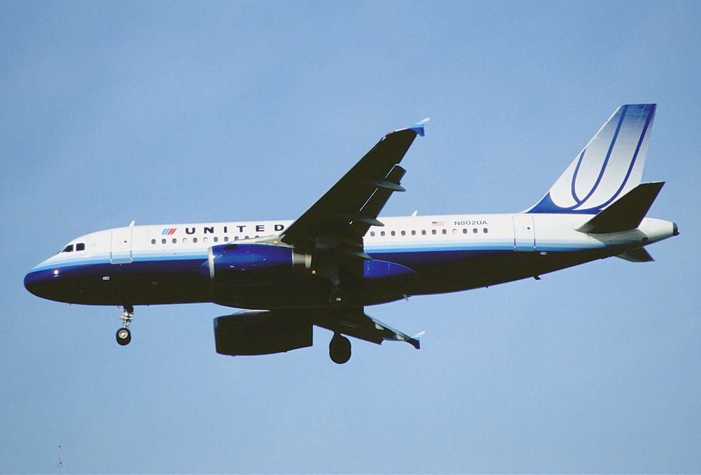 United Airlines Fleet Airbus A319-131, N802UA @YVR Vancouver International Airport