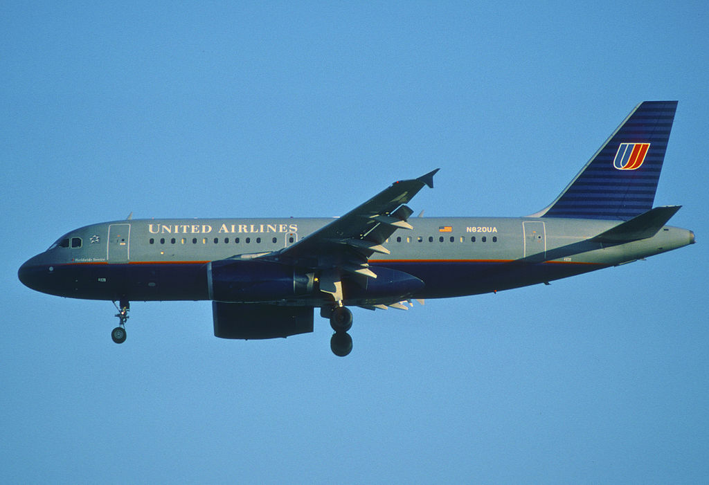United Airlines Fleet Airbus A319-131; N820UA @LAX