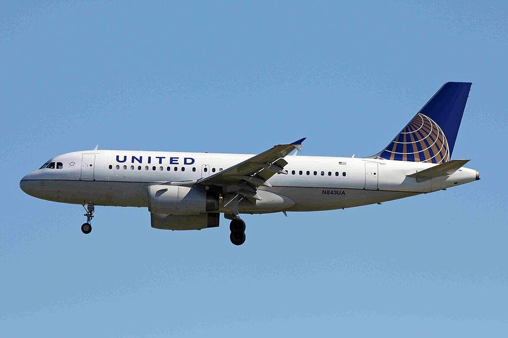 United Airlines Fleet Airbus A319-131 cn:serial number- 1573 on final approach at YVR Vancouver International Airport