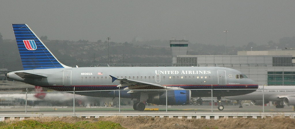 United Airlines Fleet Airbus A319-131, tail number N836UA, departing San Francisco International Airport (SFO)