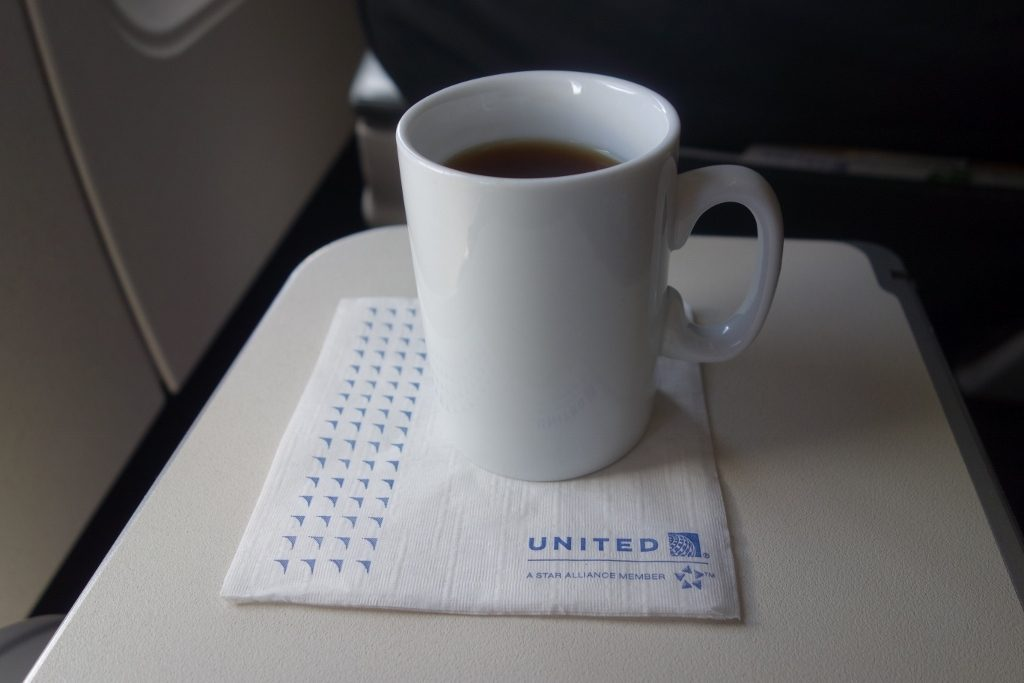 United Airlines Fleet Airbus A320-200 Business Class:Domestic First:United First inflight amenities drinks hot tea services