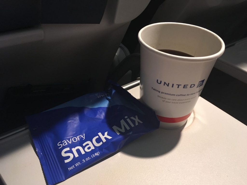 United Airlines Fleet Airbus A320-200 Main Cabin Economy Class Inflight Amenities Drinks and Snacks Services