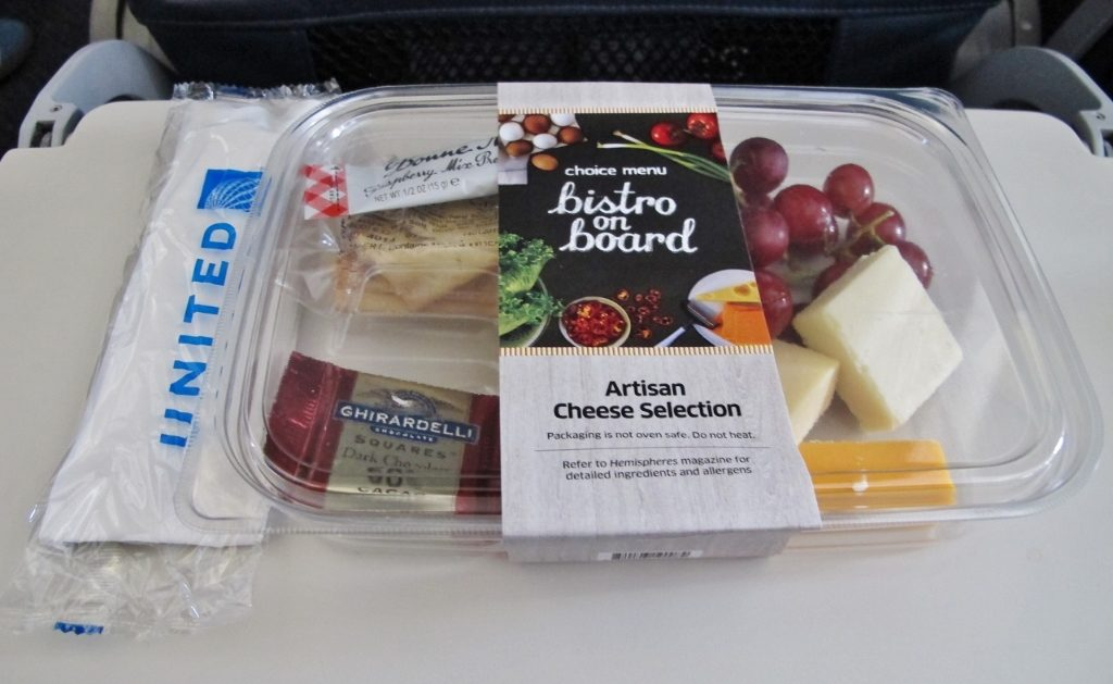 United Airlines Fleet Airbus A320-200 Main Cabin Economy Class Inflight Amenities Services BoB Food Menu Photos