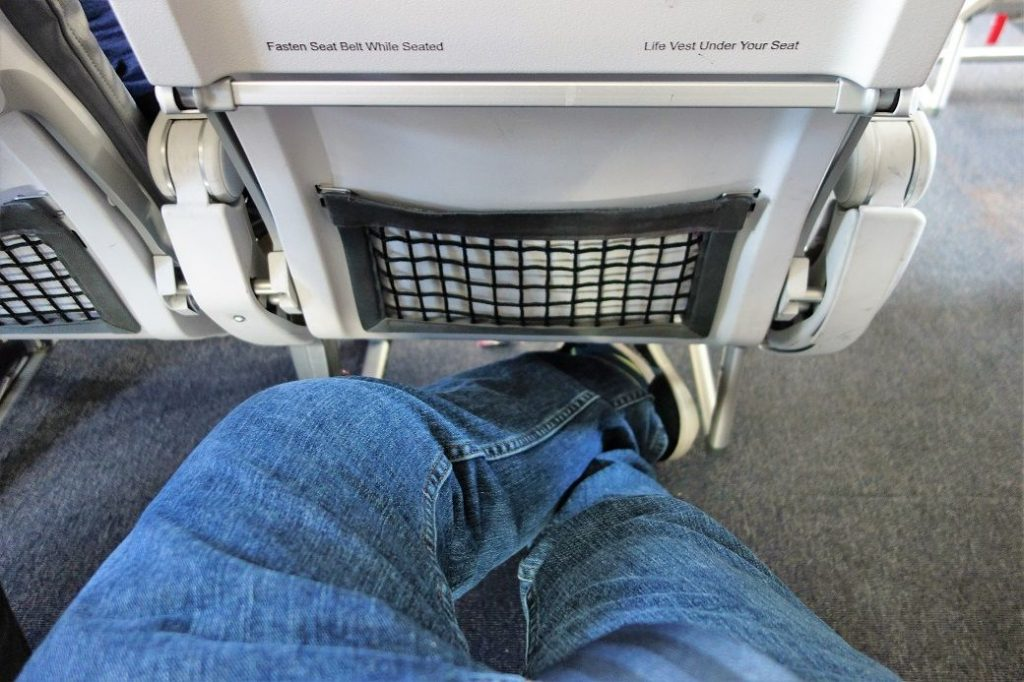 United Airlines Fleet Airbus A320-200 Premium Eco:Economy Plus Cabin Seats Pitch Legroom Photos