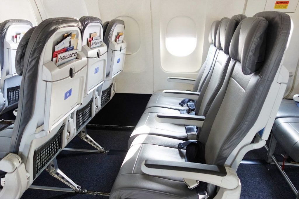 United Airlines Fleet Airbus A320-200 Premium Eco:Economy Plus Cabin Seats Row Photos