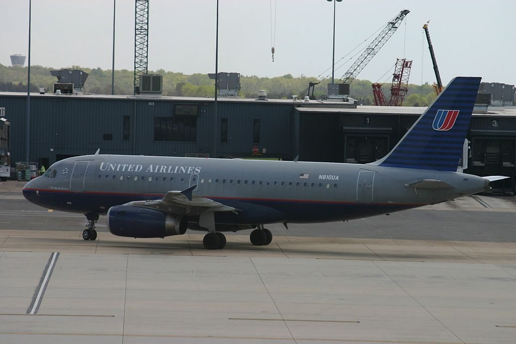 United Airlines Fleet N810UA Airbus A319-131 cn:serial number- 843 at Washington Dulles International Date