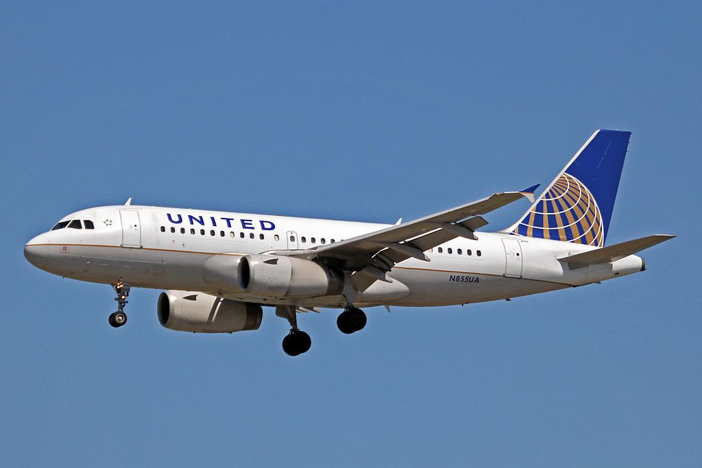 United Airlines Fleet N855UA Airbus A319-131 cn:serial number- 1737 on short final at Vancouver International Airport